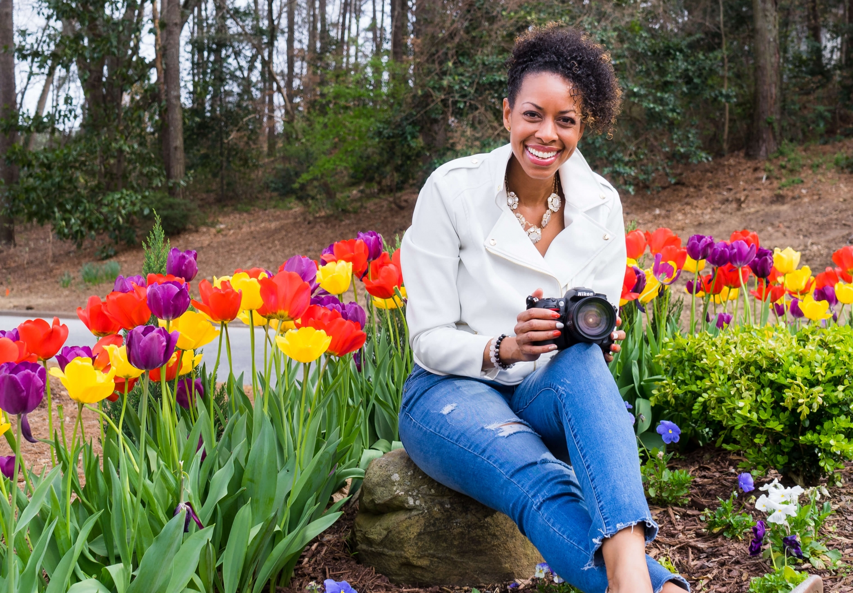 Headshot-Branding-Session-with-beautiful-black-lady-in-outdoor-photo-session-Rock-At-First-Sight-by-JM